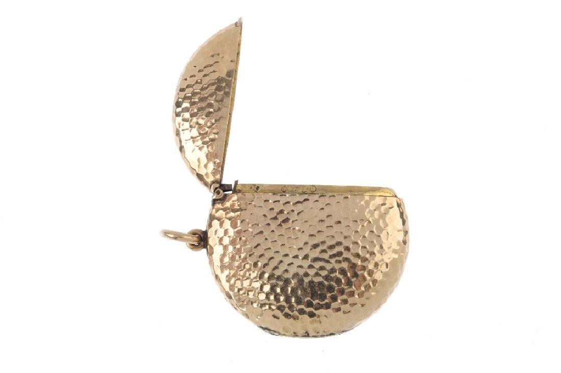 An Edwardian 9ct gold vesta case. Of circular outline, - 3