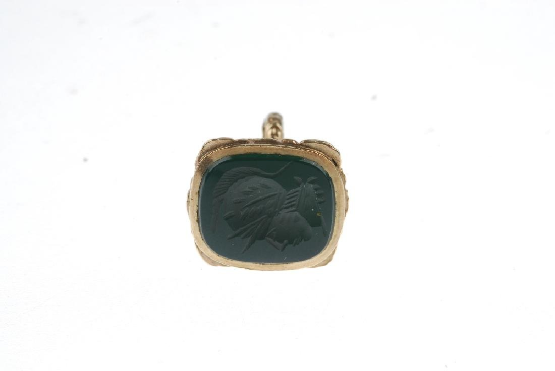 A 9ct gold hardstone intaglio fob. Designed as a green - 2