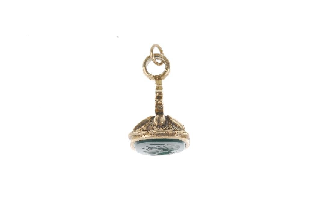 A 9ct gold hardstone intaglio fob. Designed as a green - 3
