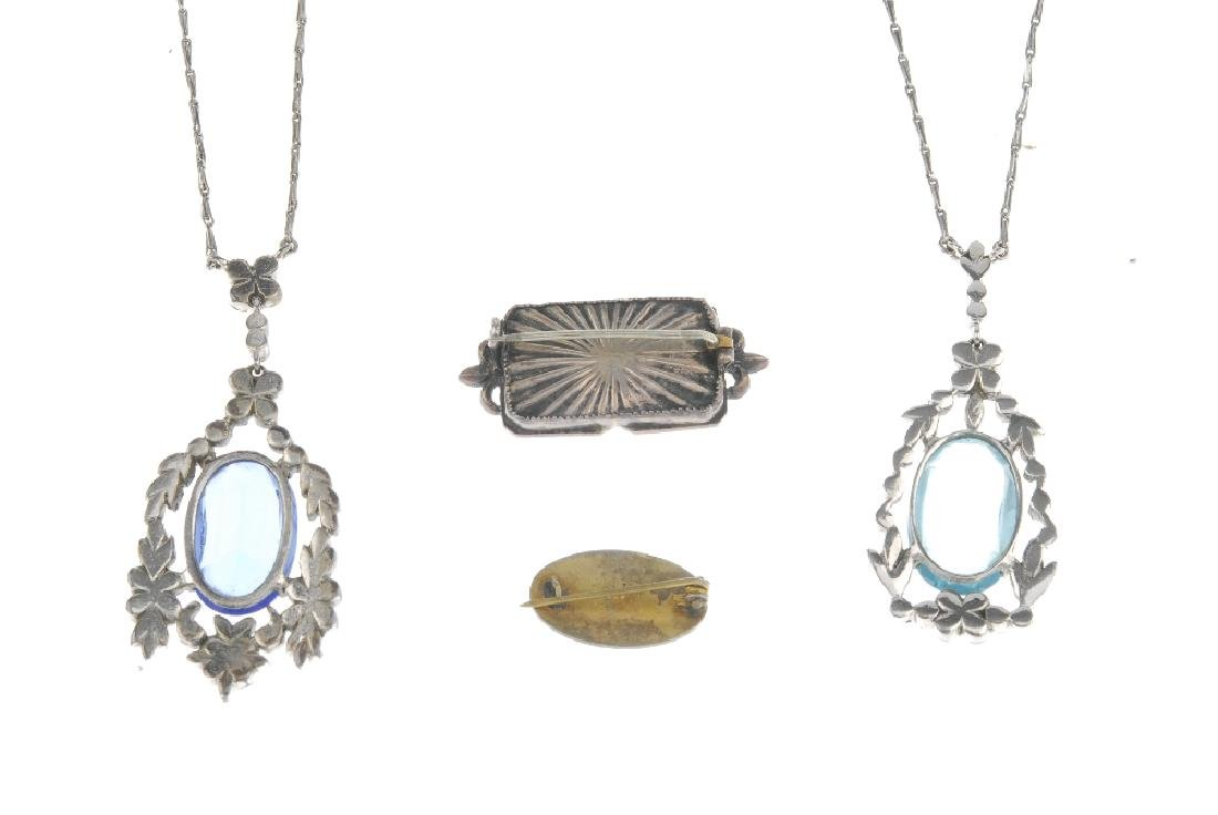 A selection of jewellery. To include an early Edward - 2