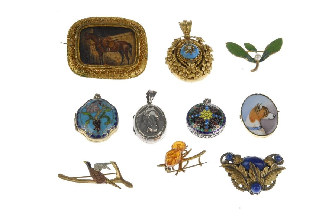 A selection of jewellery. To include a Maurius Hammer - 4