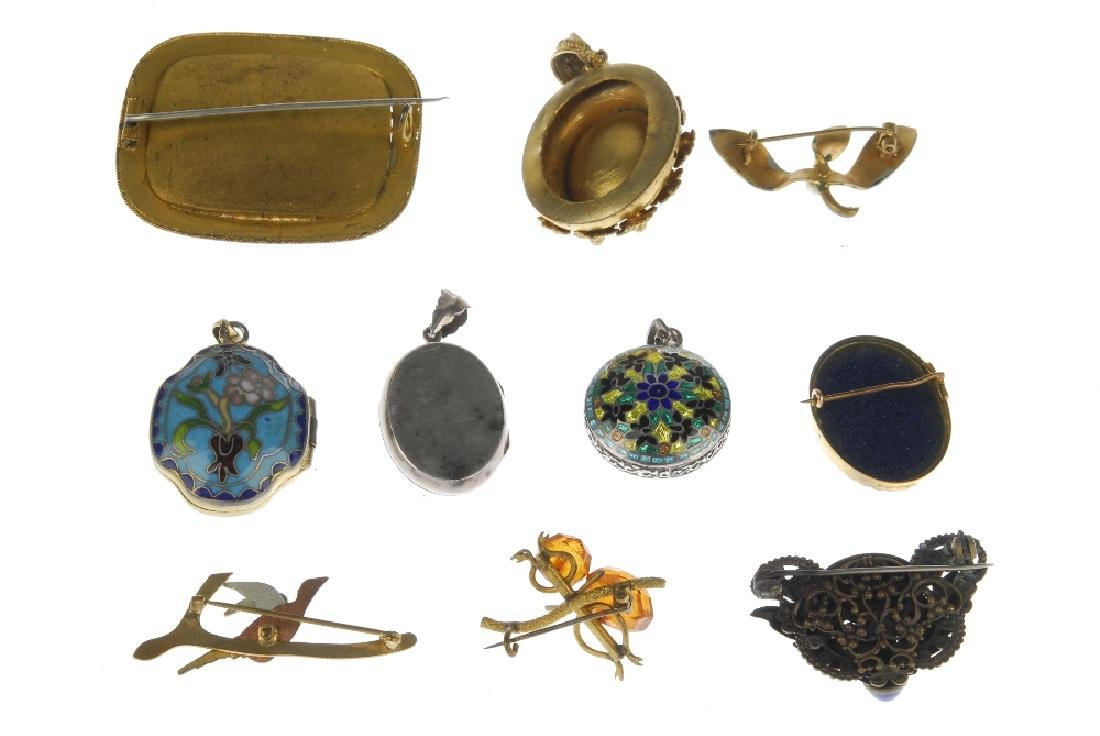 A selection of jewellery. To include a Maurius Hammer - 5