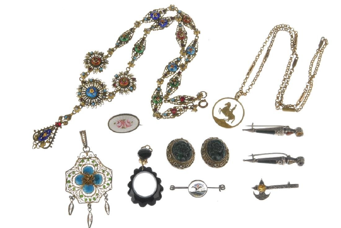 A selection of jewellery. To include a Maurius Hammer - 6