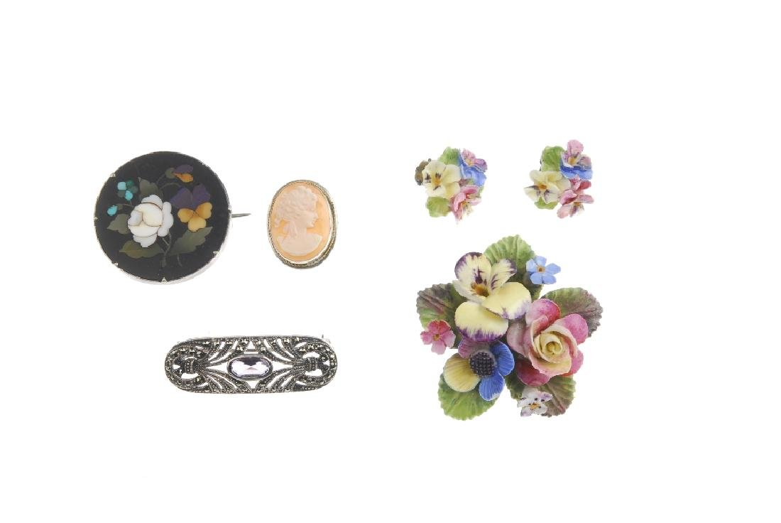 A selection of jewellery. To include a Charles Horner - 3