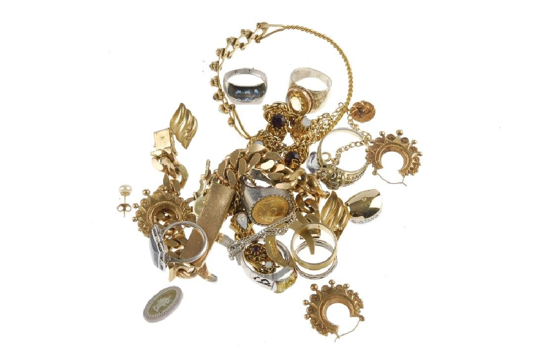 A quantity of costume jewellery. To include a 9ct gold - 3