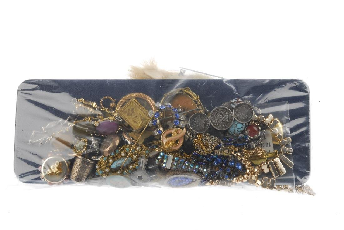 A selection of vintage and costume jewellery and a - 2