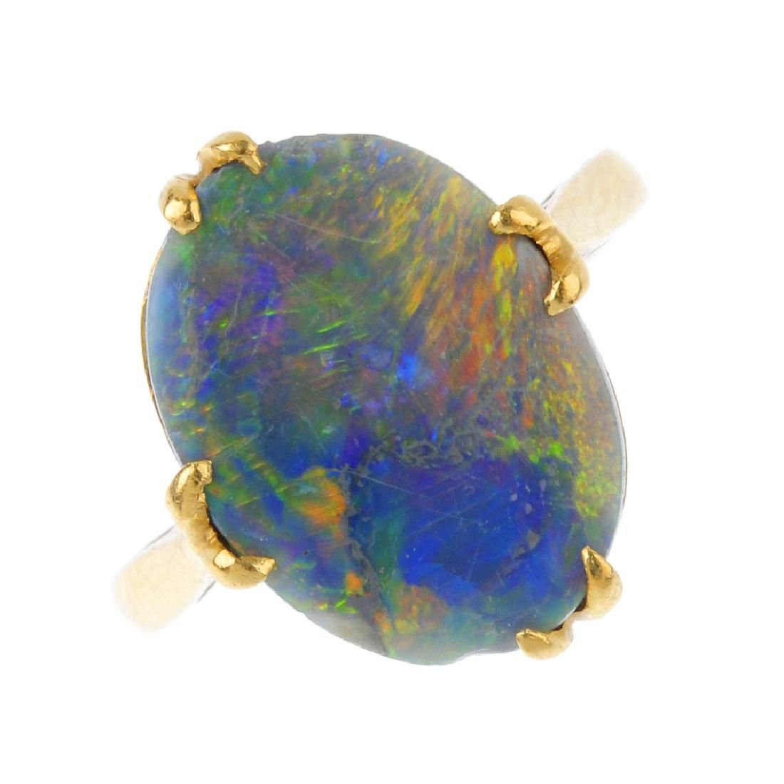 Two items of opal jewellery. To include an early 20th