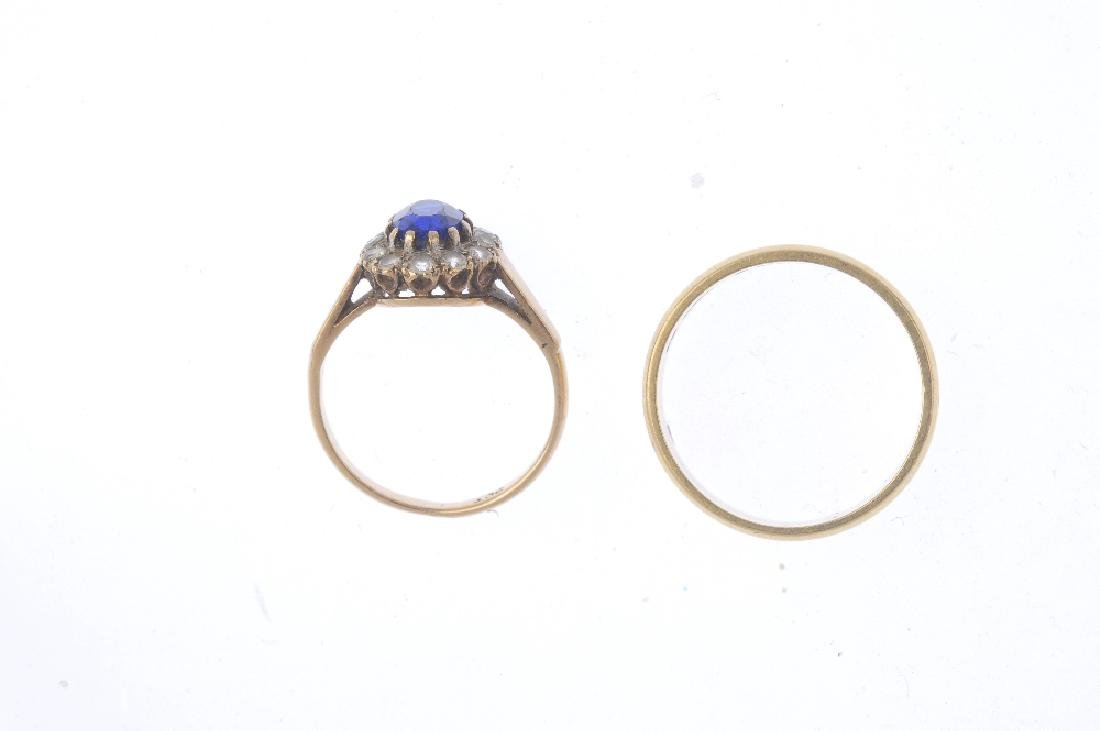 Two rings. To include an 18ct gold band ring, and a - 2