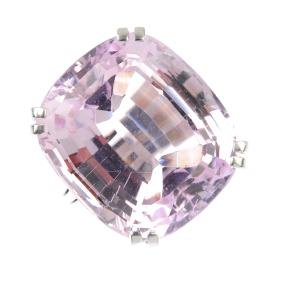 An 18ct gold kunzite single-stone ring. The