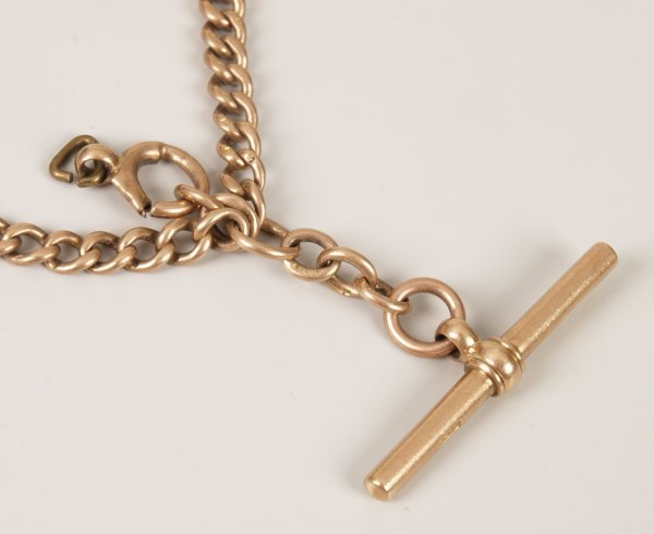 19: 9ct rose gold solid curb link graduated double Albe