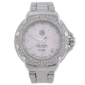 (158109) Tag Heuer - A Lady's Formula 1 Bracelet Watch.