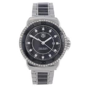 (183077) Tag Heuer - A Lady's Formula 1 Bracelet Watch.