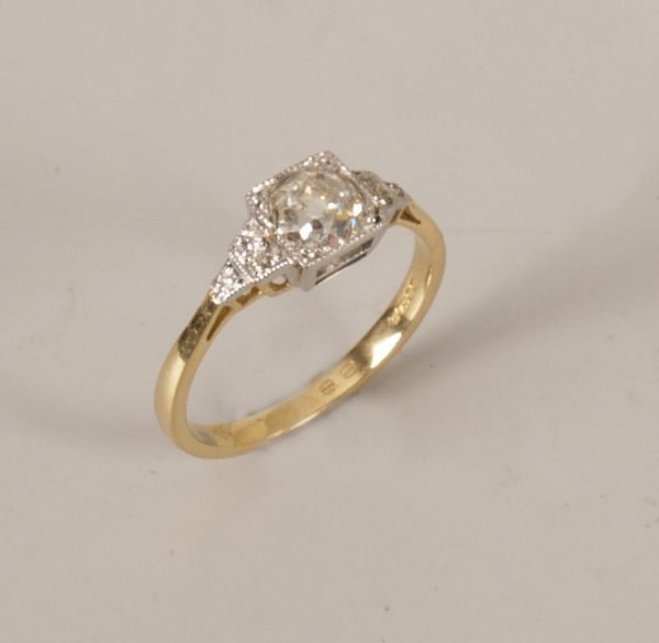 1: 18ct gold mounted single stone old cut diamond ring