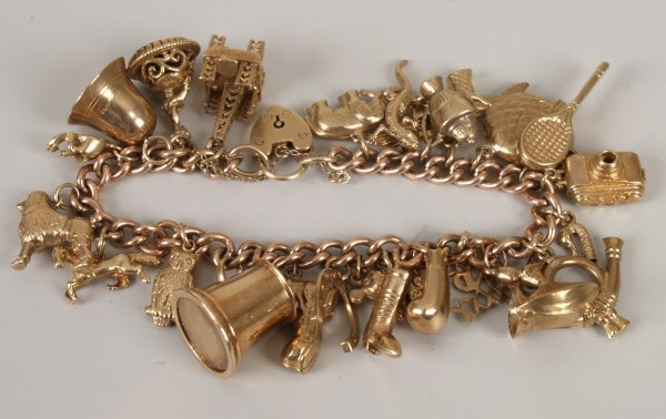 4: 9ct rose gold curb link bracelet with yellow gold pa