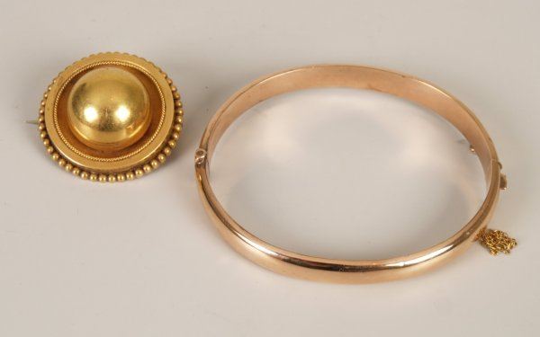 10:  Two items of jewellery to include a Victorian targ