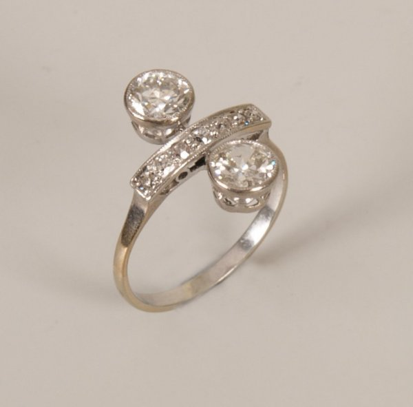 16:  Old European cut diamond set up finger ring, with