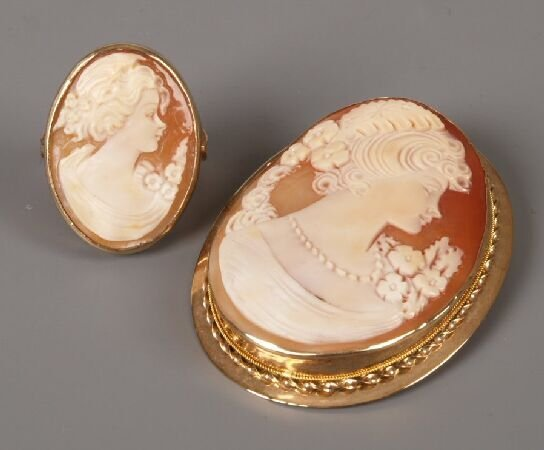 5: 9ct gold shell cameo brooch with pendant fitting 5cm
