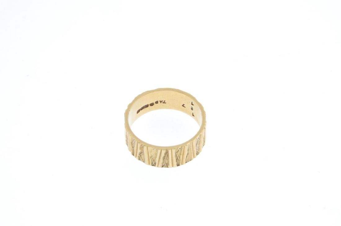 A 1970s 18ct gold band ring. With textured finish. - 2
