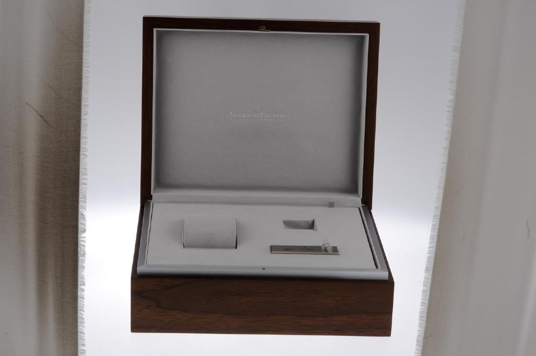 JAEGER-LECOULTRE - a complete watch box. - 3
