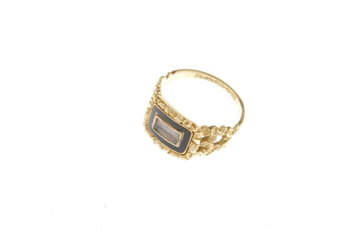 A George IV 18ct gold enamel memorial ring. Designed as - 3