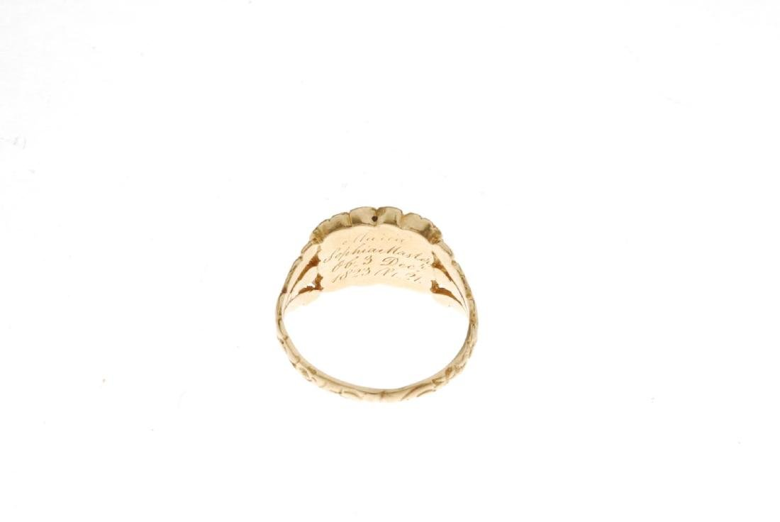 A late Georgian 18ct gold memorial ring. The central - 3