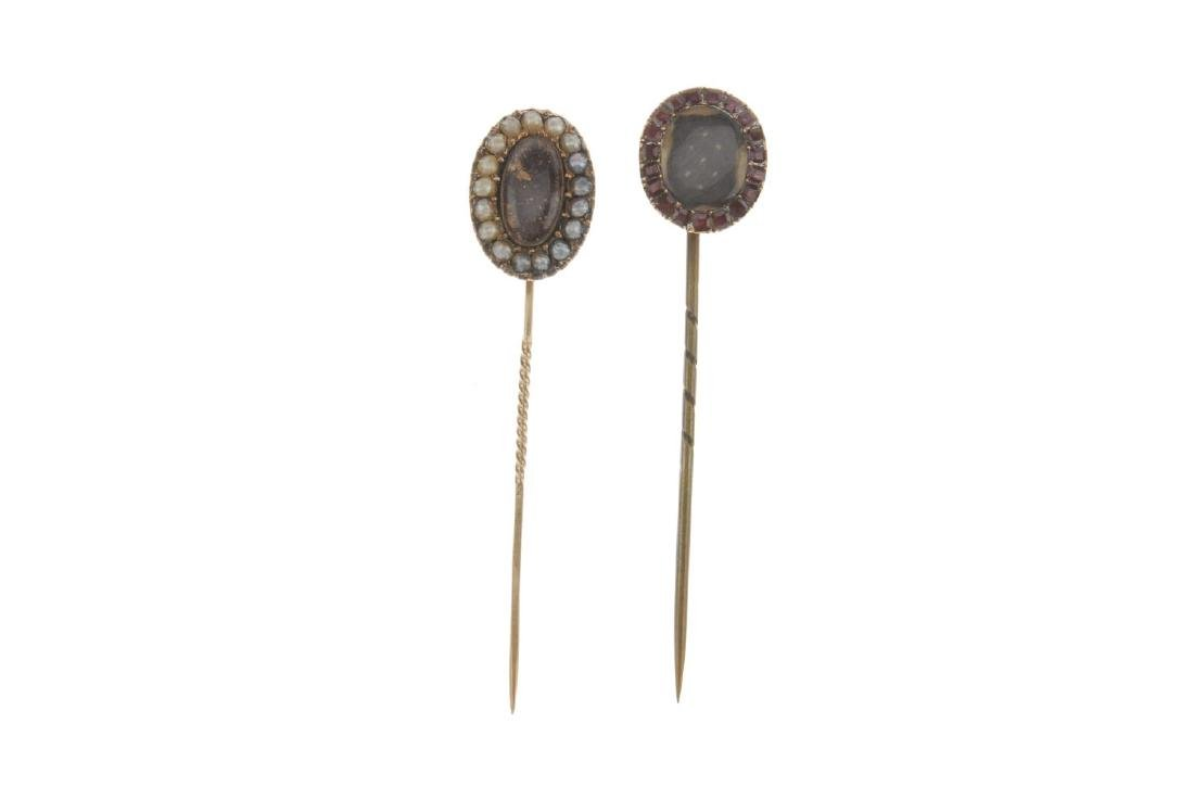 Five mid to late Victorian memorial stickpins. To - 3