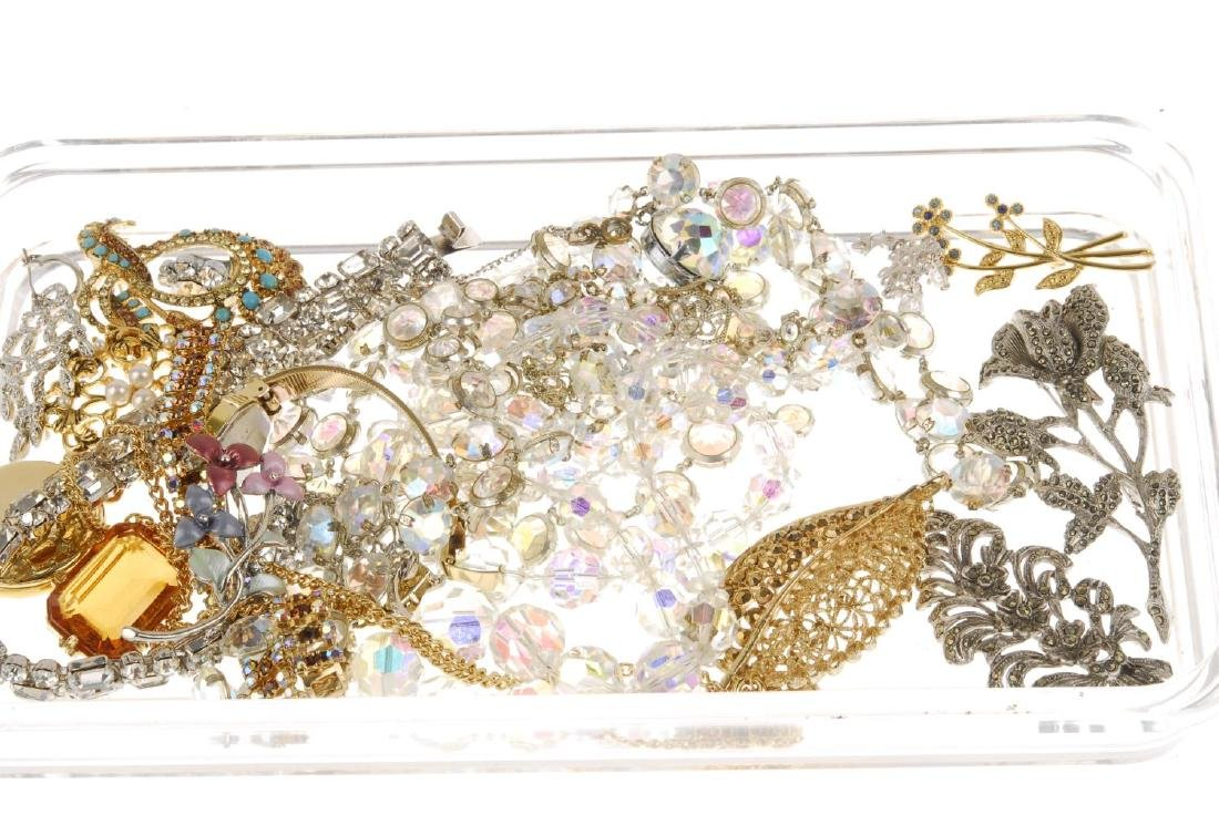A selection of costume jewellery. To include a - 2