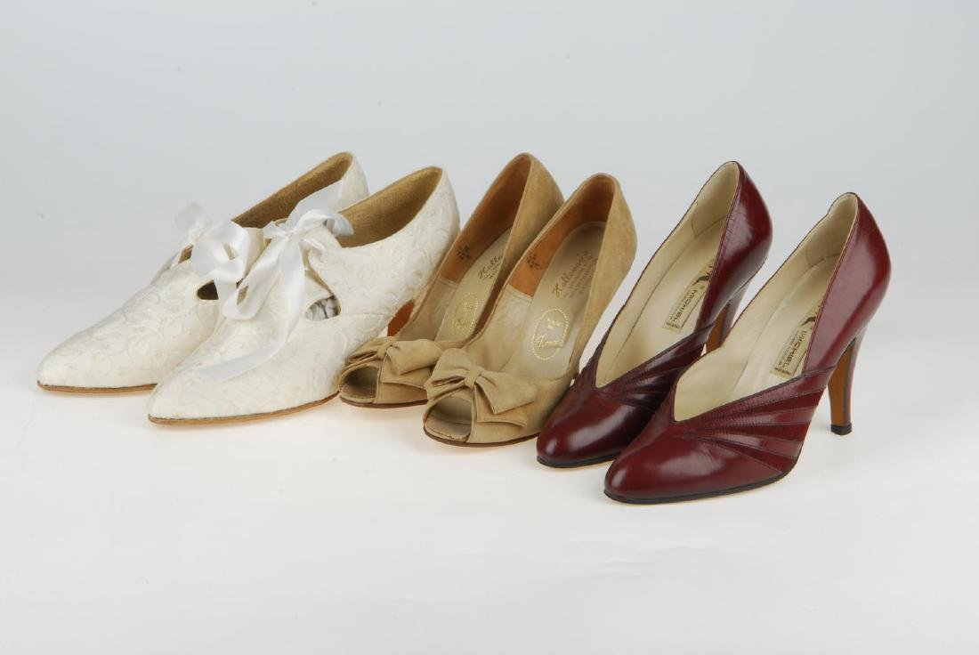 A selection of vintage shoes. To include three Anello & - 12