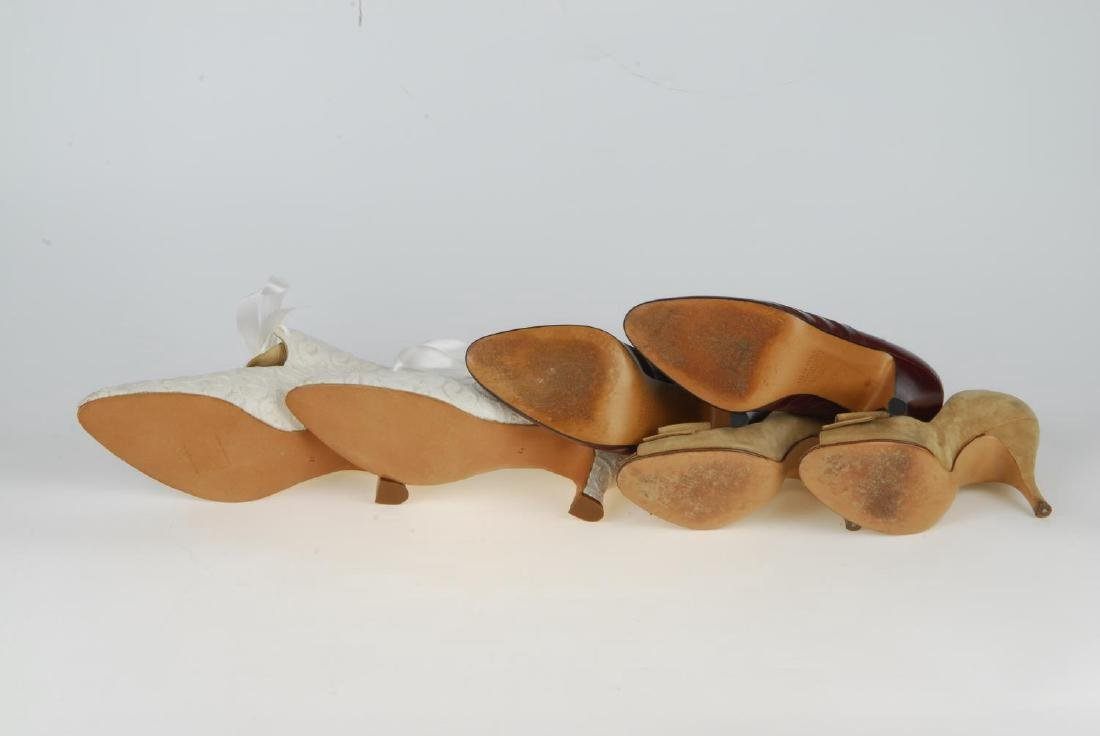 A selection of vintage shoes. To include three Anello & - 14