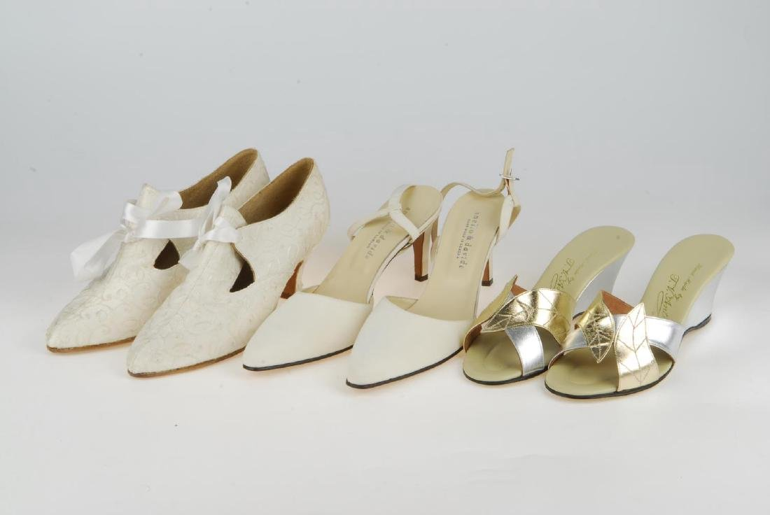A selection of vintage shoes. To include three Anello & - 5