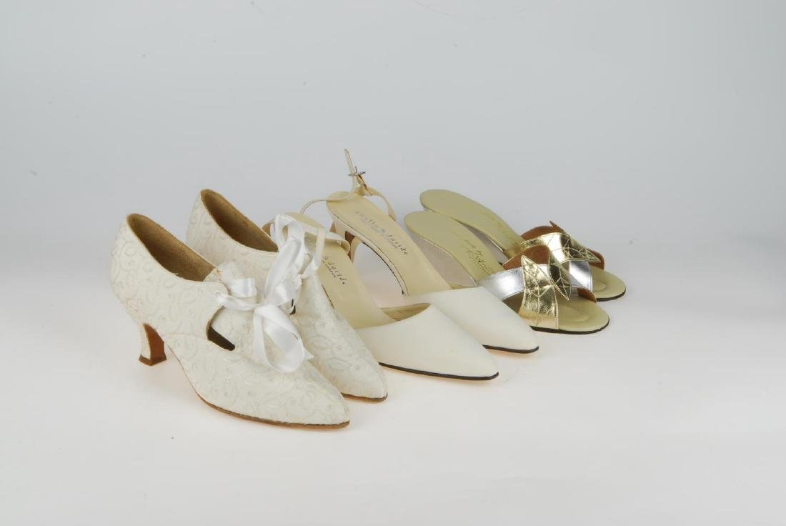 A selection of vintage shoes. To include three Anello & - 6