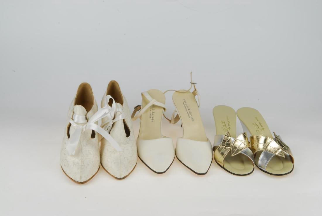 A selection of vintage shoes. To include three Anello & - 7