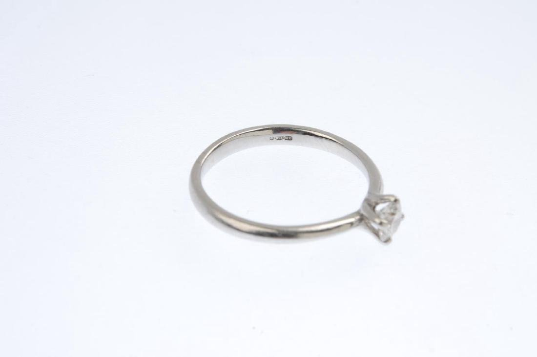 A platinum diamond single-stone ring. The brilliant-cut - 3