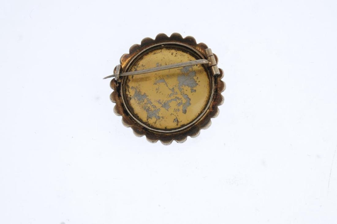 An early 20th century continental brooch. Depicting a - 2