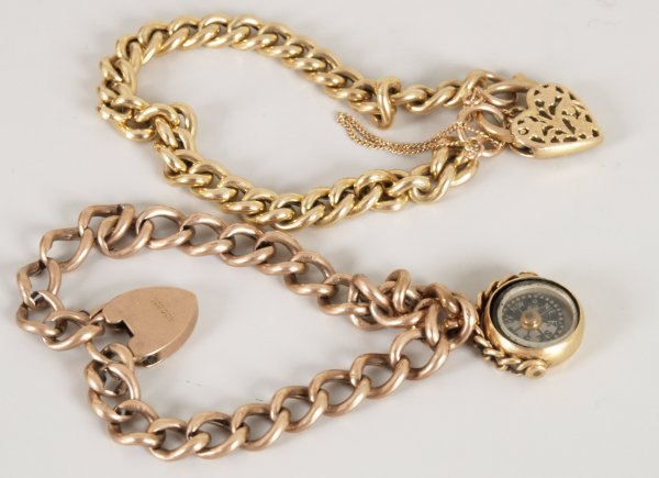 15: 9ct yellow gold hollow curb bracelet with a pierced