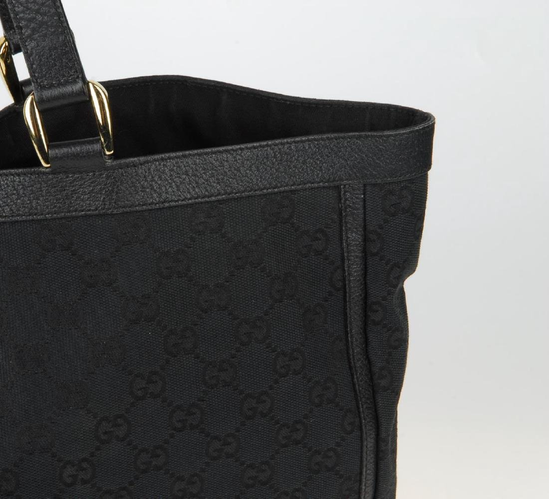 GUCCI - a black Abbey handbag. Crafted from black - 2
