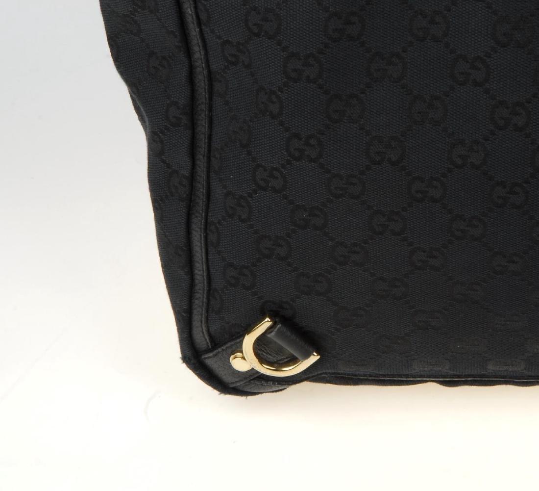 GUCCI - a black Abbey handbag. Crafted from black - 3