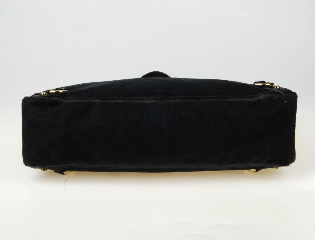 GUCCI - a black Abbey handbag. Crafted from black - 6