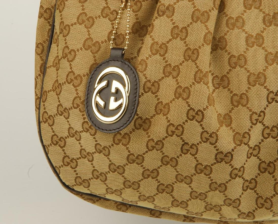 GUCCI - a handbag. Crafted from maker's classic beige - 2