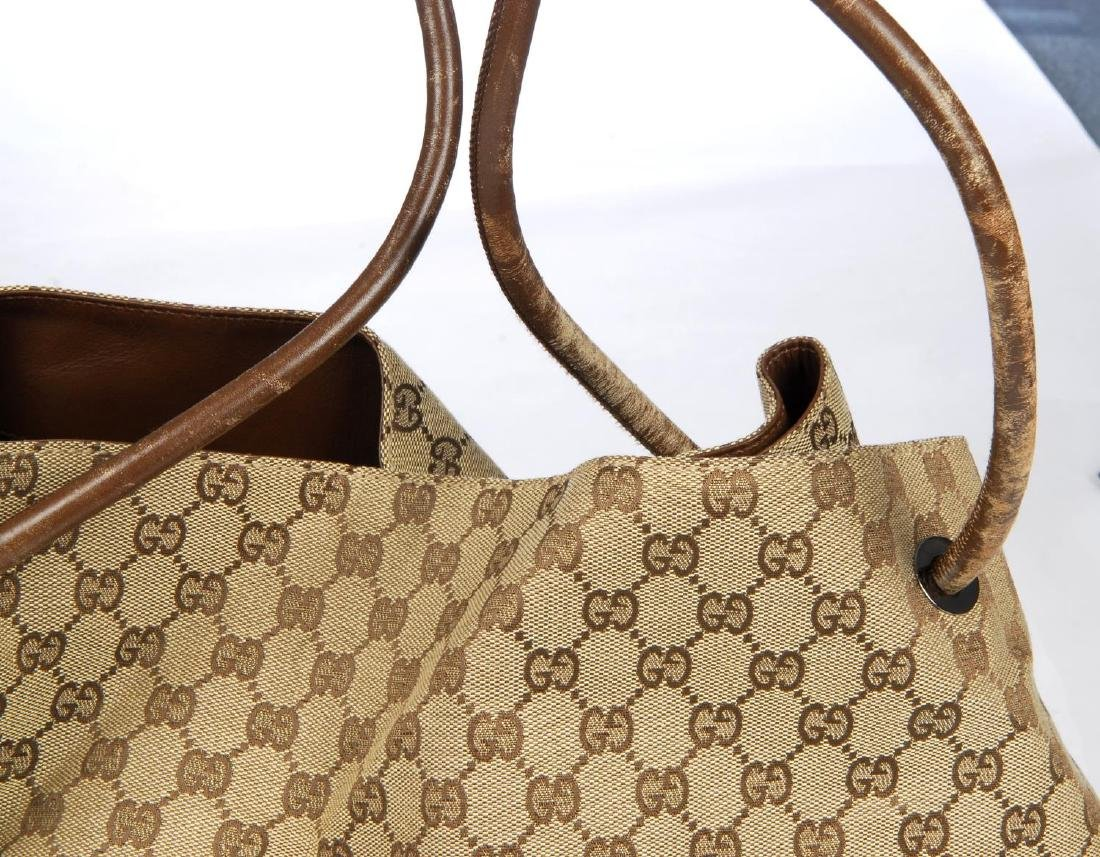 GUCCI - a large GG canvas handbag. Crafted from maker's - 4