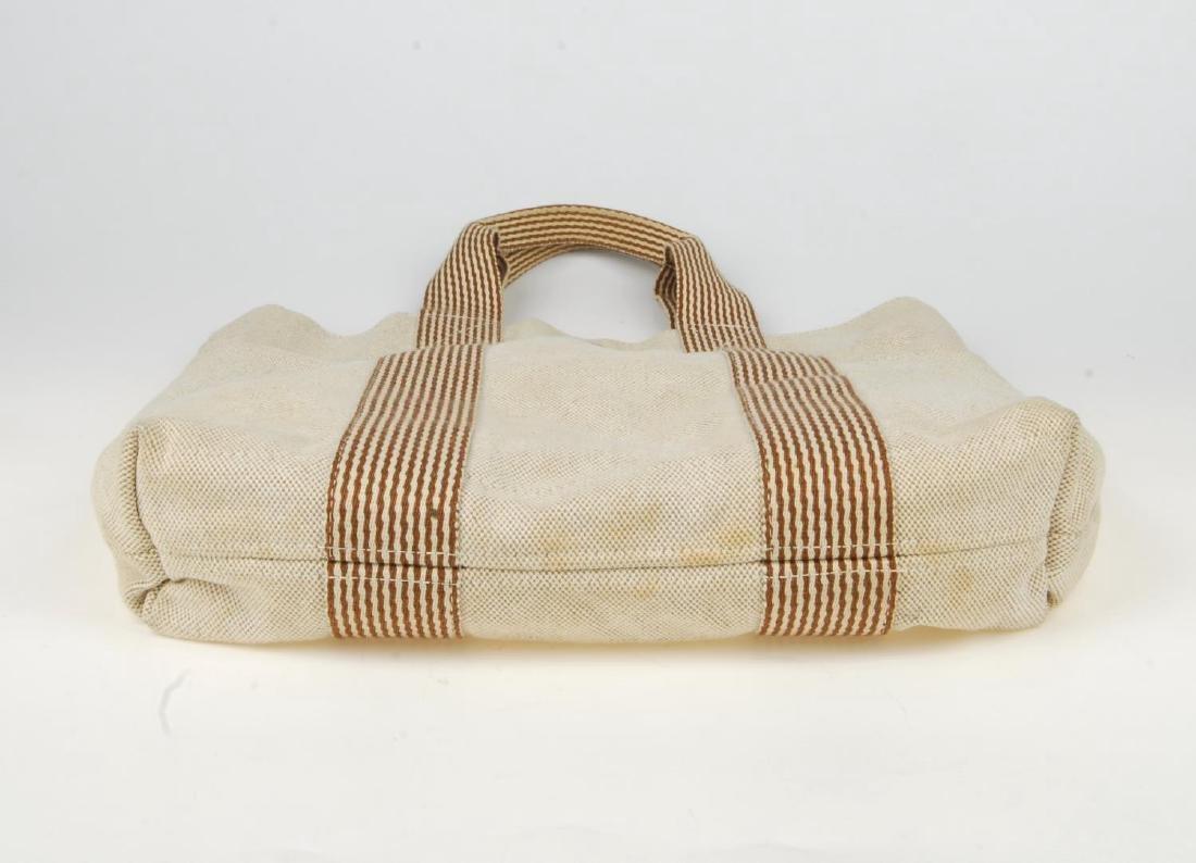 HERMÈS - two Fourre Tout canvas handbags. Both of a - 4