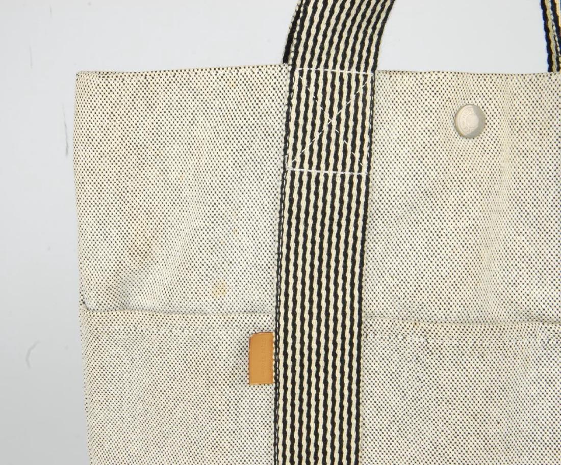 HERMÈS - two Fourre Tout canvas handbags. Both of a - 6