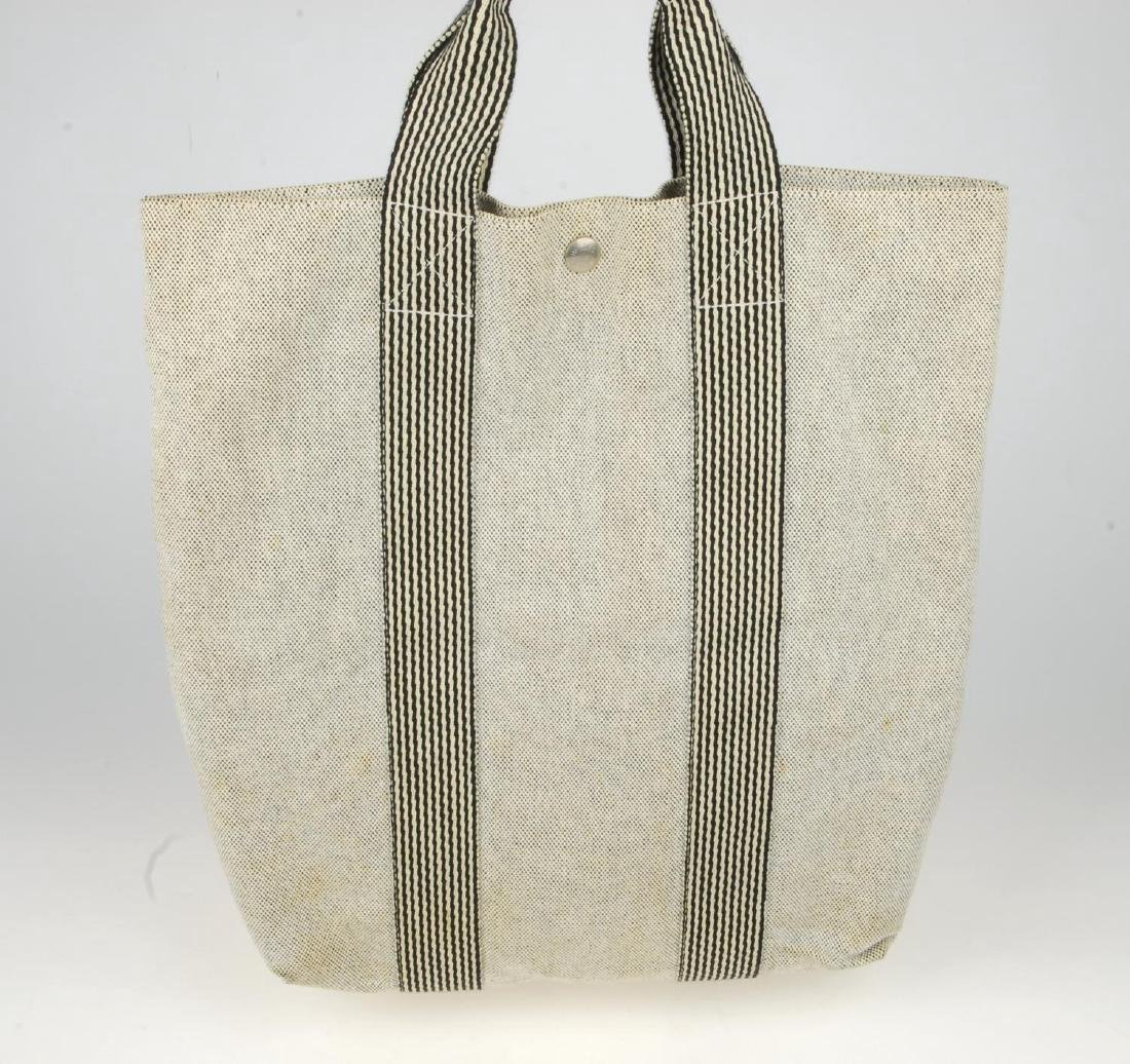 HERMÈS - two Fourre Tout canvas handbags. Both of a - 7