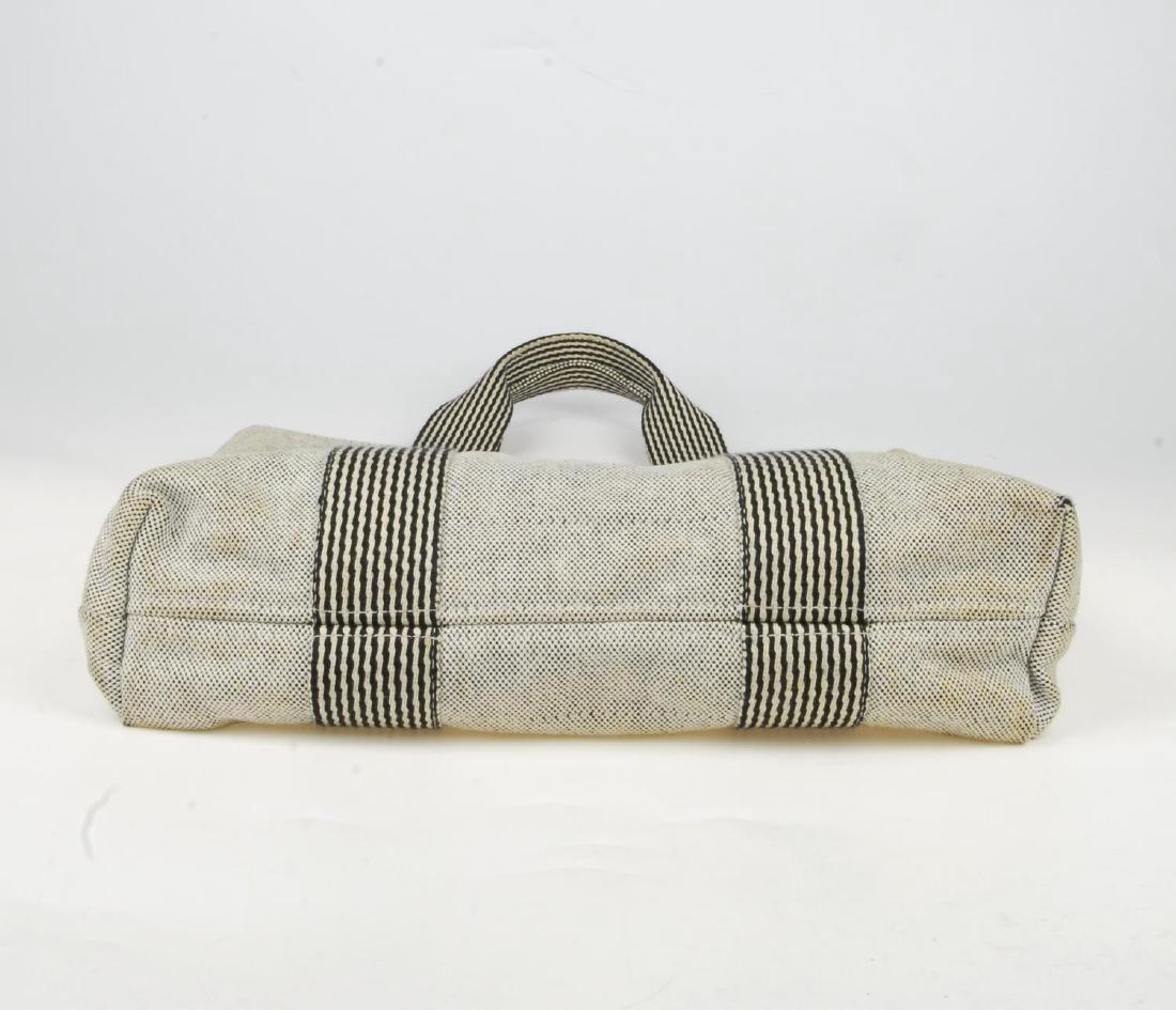 HERMÈS - two Fourre Tout canvas handbags. Both of a - 9