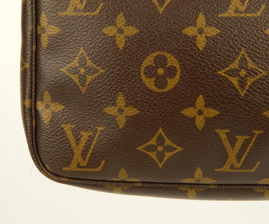 LOUIS VUITTON - a Monogram Pochette Accessoires - 3