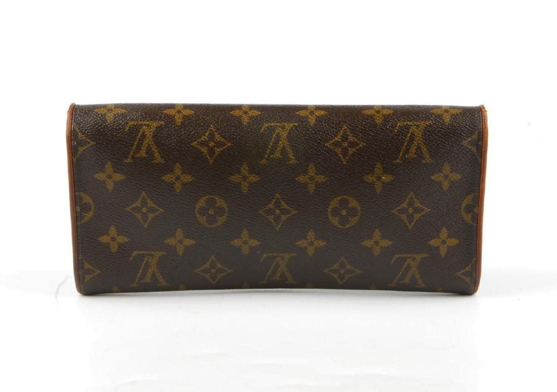 LOUIS VUITTON - a Monogram Pochette Twin GM handbag. - 2