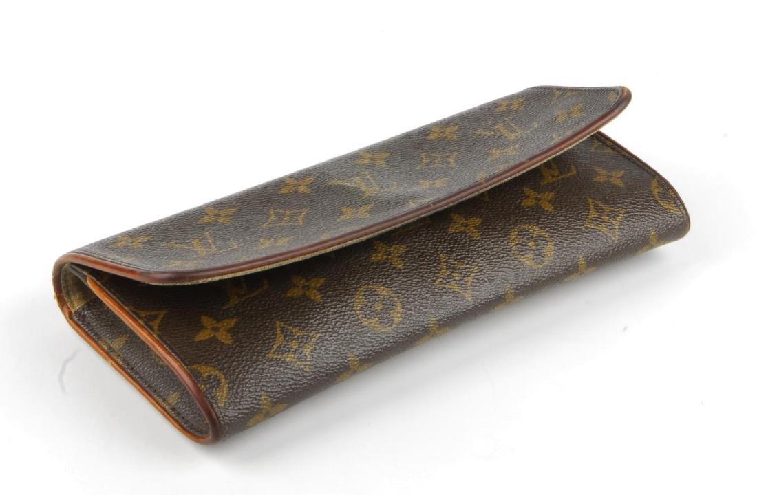 LOUIS VUITTON - a Monogram Pochette Twin GM handbag. - 3