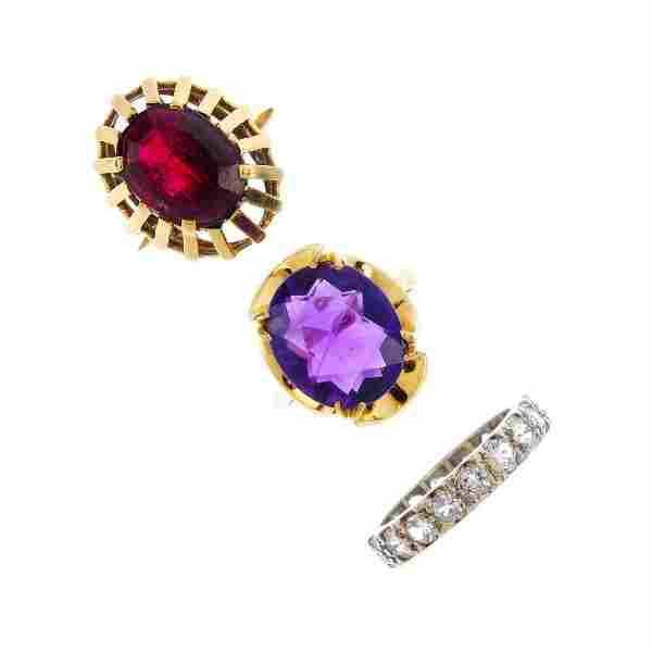 A selection of gem set jewellery. To include a red