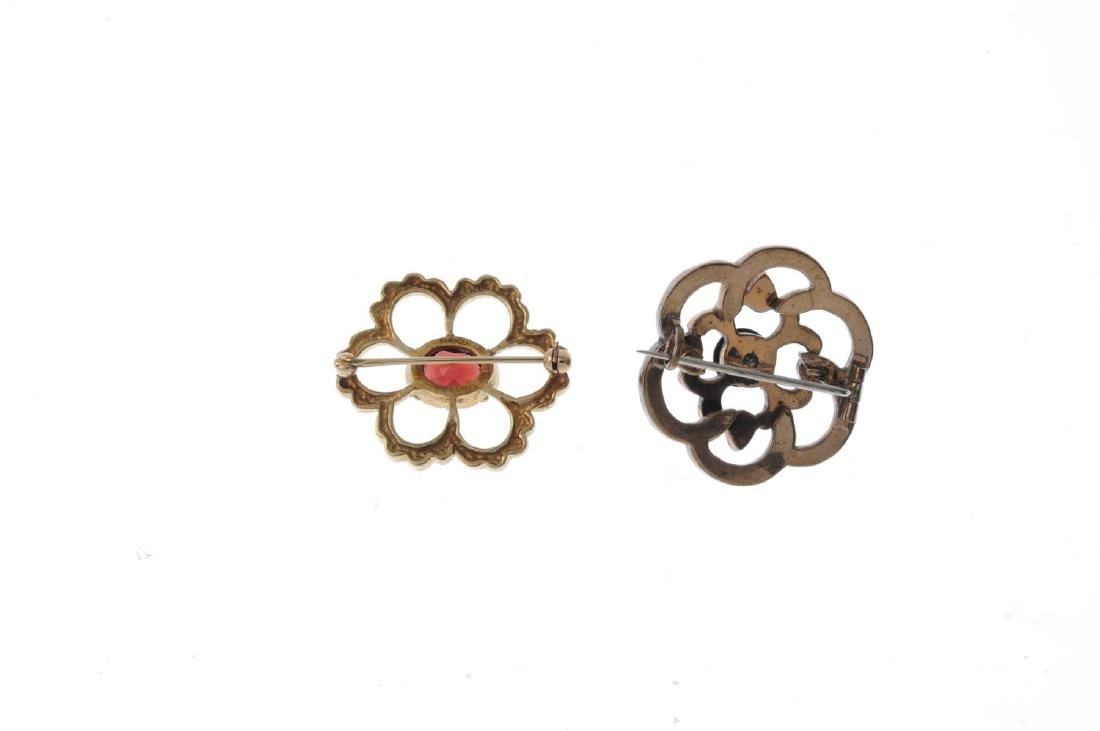 Two gem-set brooches. Both of openwork design, to - 2