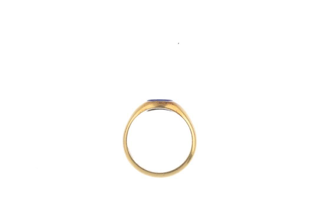 An 18ct gold lapis lazuli signet ring. The - 2